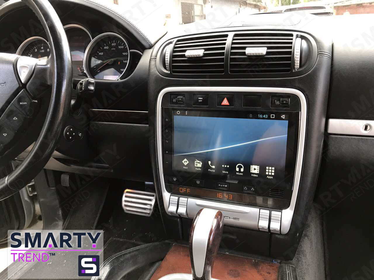 The SMARTY Trend head unit for Porsche Cayenne.