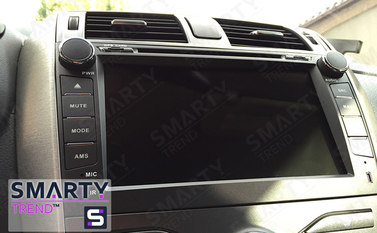 SMARTY Trend head unit installed on Toyota Corolla.